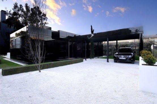 casa modular acero negra